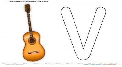 """O Violão e a letra """"V"""" – Pintura com tinta guache"""